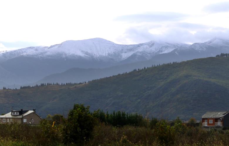 César Sánchez / ICAL Primera nevada del otoño en las montañas del Bierzo