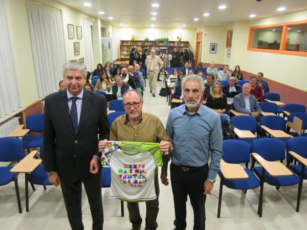 Presentación de la San Silvestre 2019. Javier García, José Antonio Molinero, 'Moli', y Luis González, de Grupo Sete
