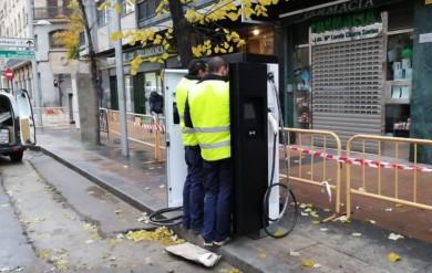 cargador coche electrico paseo estacion (1)