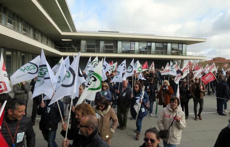 funcionarios huelga 35 horas concentracion (1)