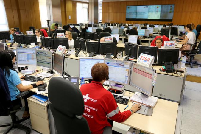 Leticia Pérez / ICAL Sala en la que se reciben las llamadas de Emergencias del 112