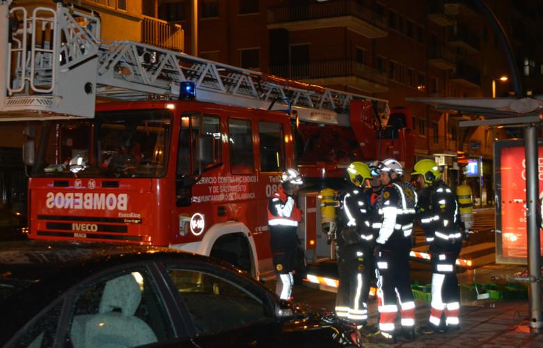 Los bomberos acudieron aun incendio en la Avenida de Portugal.