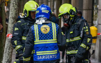 Los bomberos sofocaron el incendio que se produjo en una vivienda de la Gran Vía.