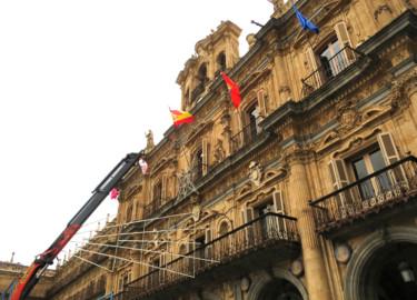 Los adornos de Navidad en la Plaza Mayor de Salamanca.