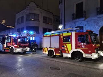 Los bomberos acudieron a la calle Doctrinos por un fuerte olor a gas.