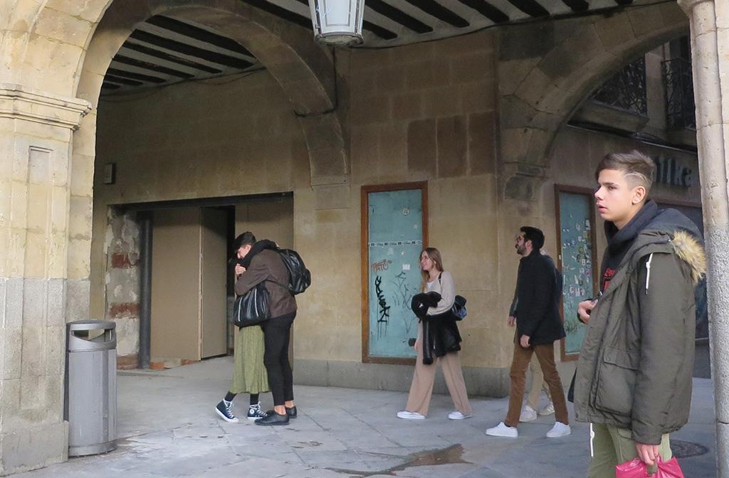 El nuevo establecimiento de comida rápida se instalará en un local que ocupó una tienda de moda en la Plaza Mayor.