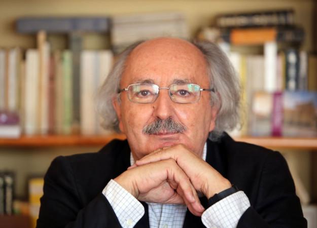 Rubén Cacho / ICAL El poeta leónes Antonio Colinas en su casa de La Bañeza (León)