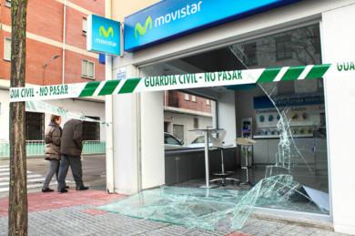 Vicente / ICAL Entran a robar por el método del alunizaje en un establecimiento de Ciudad Rodrigo(Salamanca)