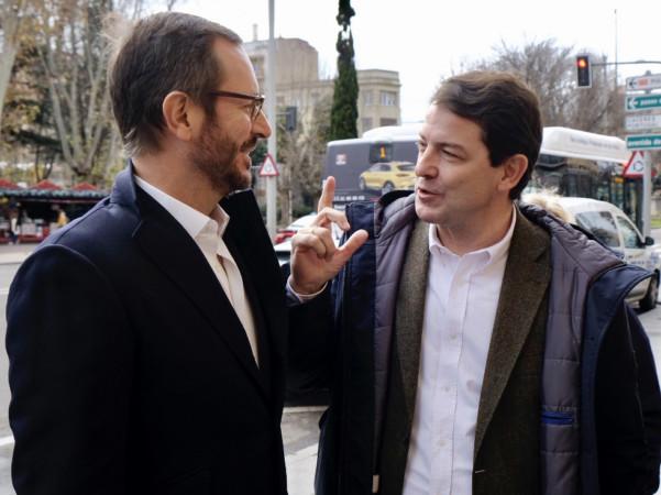 David Arranz / ICAL El presidente del Partido Popular de Castilla y León, Alfonso Fernández Mañueco, y el portavoz de la formación popular en el Senado, Javier Maroto, participan en la comida de Navidad del PP de Salamanca.