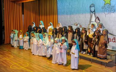 El colegio Siervas de San José celebra su Festival de Navidad.