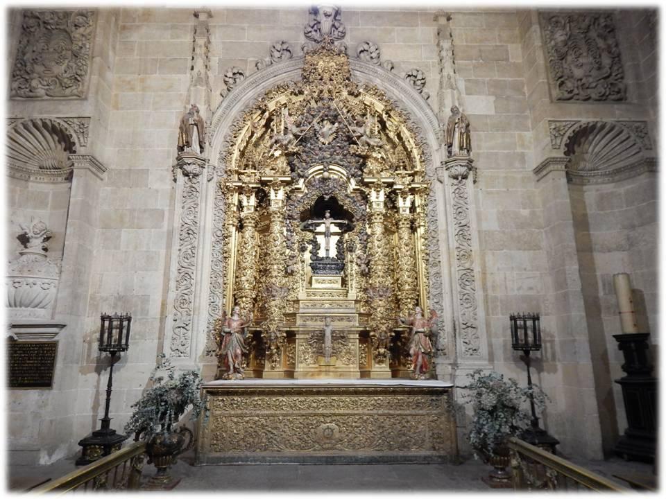 Altar de la capilla del Santo Cristo de las Batallas, en la Catedral Nueva