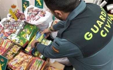 La Guardia Civil de Salamanca ha intervenido entre el 12 y el 31 de diciembre de 2019 un total de 612 cajas de artificios pirotécnicos, haciendo un total de 25.114 artificios de las categorías F1 y F2.