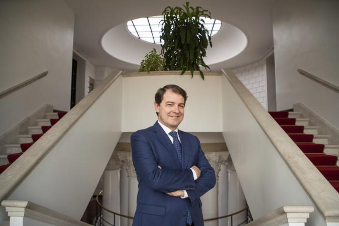 Eduardo Margareto / ICAL El presidente de la Junta Alfonso Fernández Mañueco, en la sede de Presidencia de Valladolid