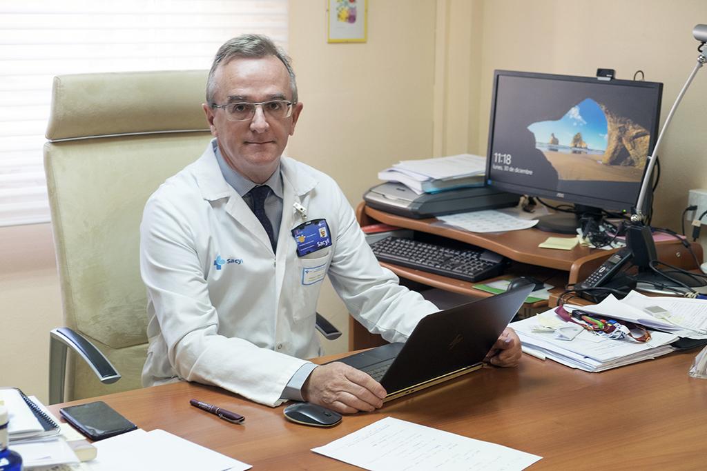 Jesús Formigo / ICAL Marcelo F. Jiménez López, jefe de servicio de cirugía torácica del hospital de Salamanca