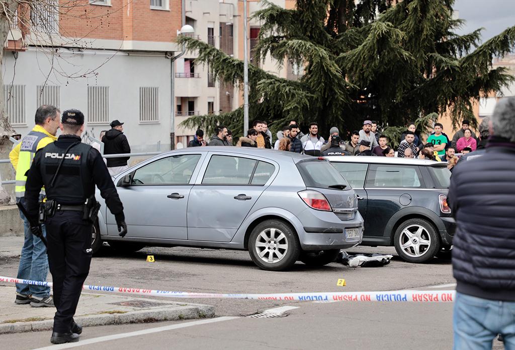 ICAL Un hombre muere por disparos en la calle Maestro Soler de Salamanca