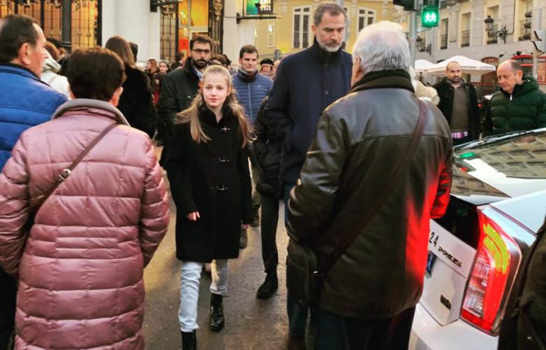 La Princesa Leonor y el rey Felipe VI de paseo por Madrid. Foto. @jj_labrada