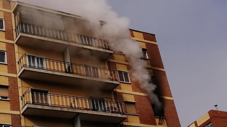 El incendio en el número 27 de la avenida de Federico Anaya.