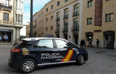 policia nacional coche plaza liceo