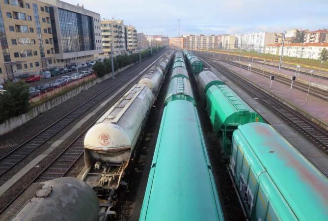 renfe estacion ferrocarril tren catenaria (3)