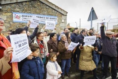 sanidad rural medico se queda aldea obispo ical vicente