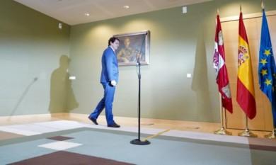 Leyenda Miriam Chacón / ICAL . El presidente de la Junta, Alfonso Fernández Mañueco, a su llegada a las Cortes de Castilla y León.