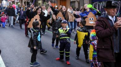 Desfile del martes de carnaval organizado por Avesal.