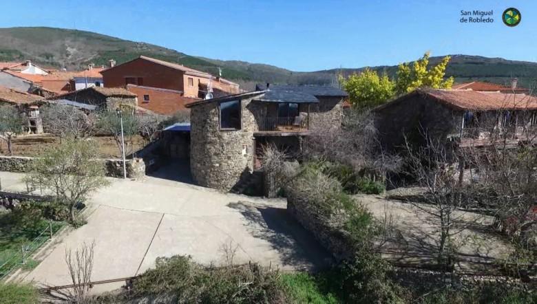 San Miguel de Robledo. Foto. Kalandraka Murcia. Facebook Arroyomuerto. City.
