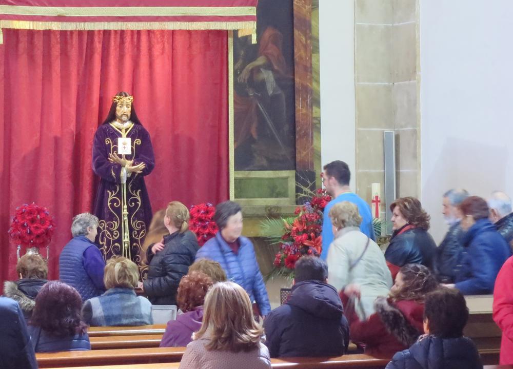 La Junta de Semana Santa de Salamanca cambia el besapiés del Jesús Rescatado por una reverencia ante la imagen