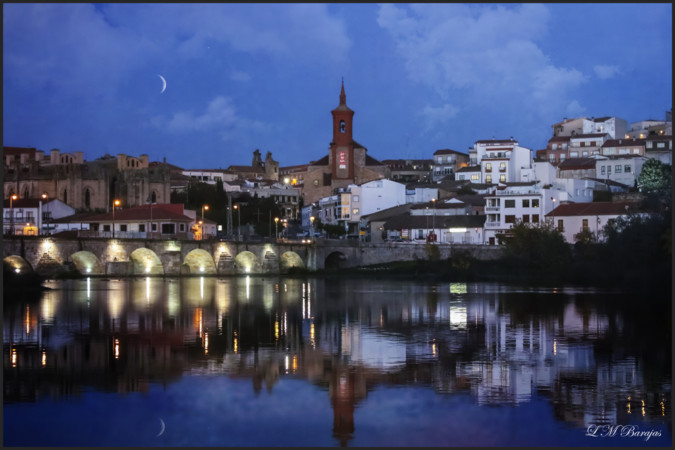 Alba de Tormes, en la hora azul. Foto. Luis Martín Barajas.