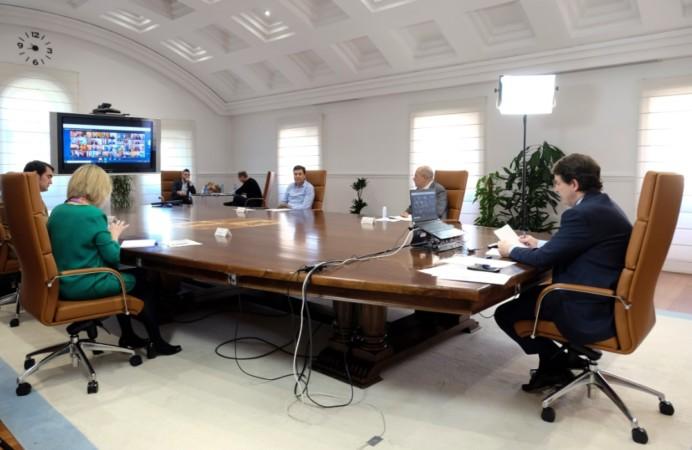 mañueco videoconferencia presidentes con pedro sanchez