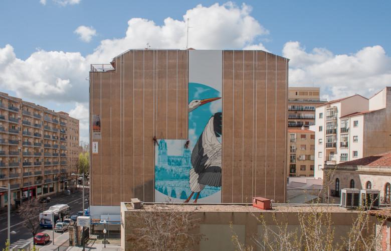 El mural del edificio del Paseo de la Estación va tomando forma.