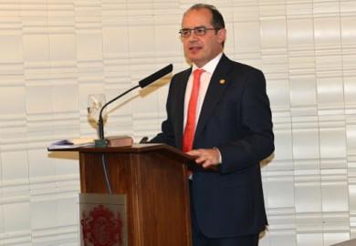 Santiago Santa Cruz, presidente del Colegio Oficial de Médicos de Salamanca.