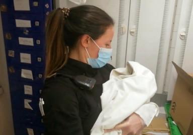 Encuentran un bebé en un carro de supermercado en Ávila