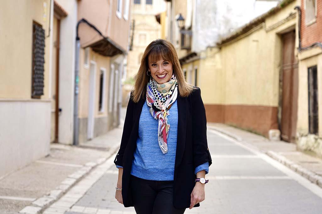 Miriam Chacón / ICAL. Sara Martín, empleada de una pequeña agencia de viajes de Medina de Rioseco (Valladolid)