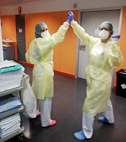 Coral Mato, enfermera en planta en el hospital clínico San Carlos, de Madrid.