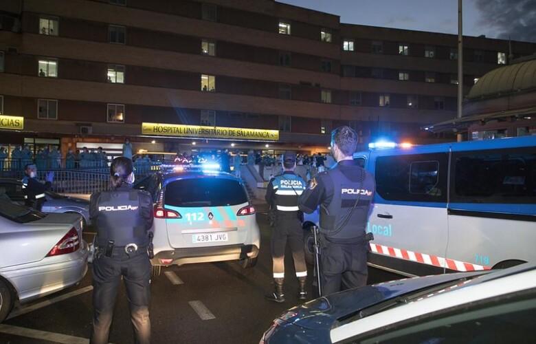 aplausos policia a sanitarios en marzo.