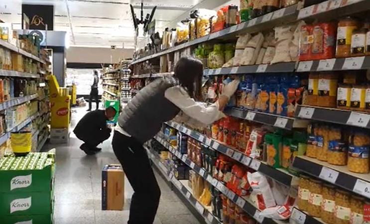 El personal que trabaja en los supermercados está en primera línea de la pandemia.