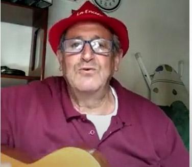 Gabriel Calvo, canta la canción de Lunes de Aguas.
