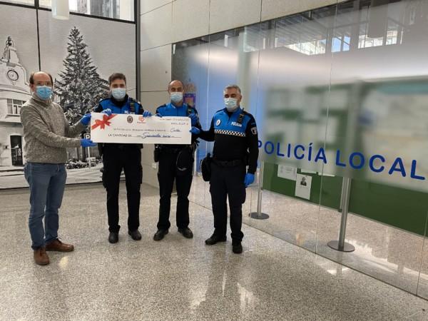 La Policía Local de Guijuelo dona 600 euros a Cáritas de Salamanca