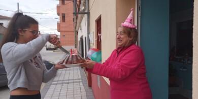 Calvarrasa de Abajo celebra el cumpleaños de Paula.