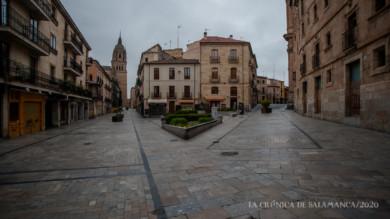 La imagen de la calle la Rúa, donde podemos ver la Catedral, la Casa de las Conchas... durante el estado de alerta sanitaria.