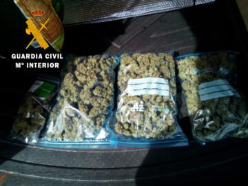 Las bolsas de droga que había en el interior del coche.