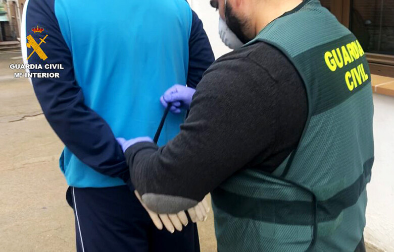 Guardia civil interviene mascarillas sin homologar (4)