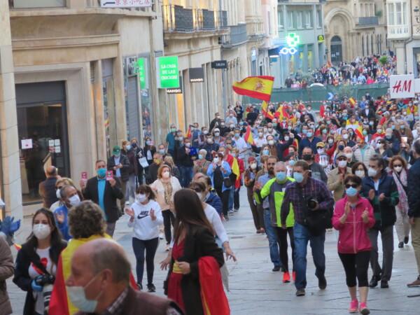 La manifestación de las 21.00 horas por la calle Toro.