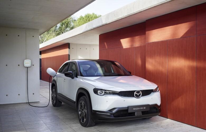 Mazda e Iberdrola firman un acuerdo de colaboración para impulsar la movilidad eléctrica ante el lanzamiento del Mazda MX-30.