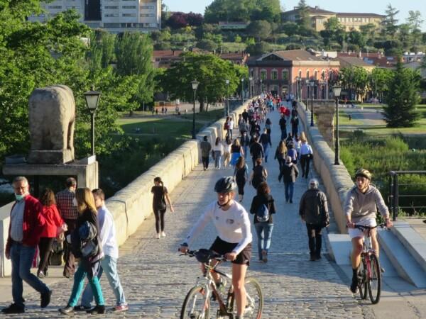 paseo confinamiento estado alarma puente romano (5)