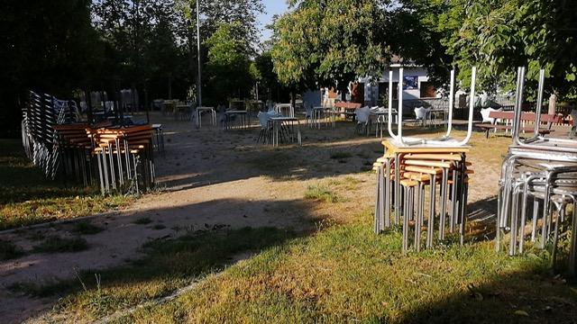 Terrazas en parque de Salamanca.
