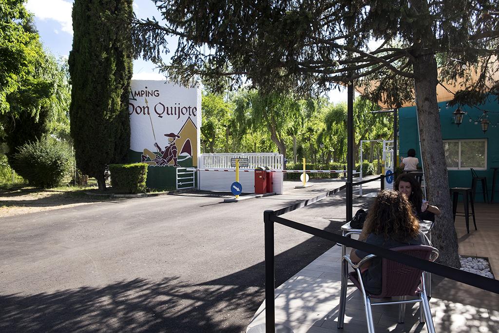JESÚS FORMIGO / ICAL . El camping Don Quijote, situado en el municipio salmantino de Cabrerizos, se prepara para la reapertura el 1 de julio con las medidas de seguridad necesarias