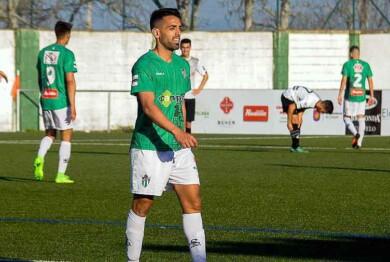 Antonio Pino, jugador del CD Guijuelo.