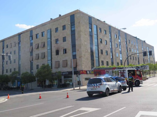 incendio capuchinos piso bomberos policia (2)